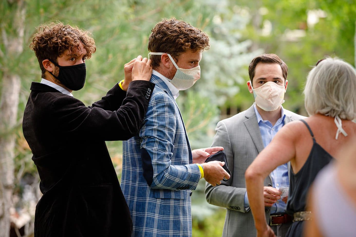 How to plan your wedding during a pandemic.